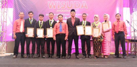 lulusan terbaik kelas 12 smk nida el adabi 2019